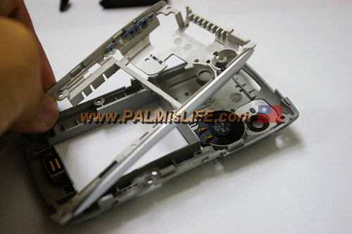 GearDiary Treo 650 Housing Replacement Do-It-Yourself Instructions