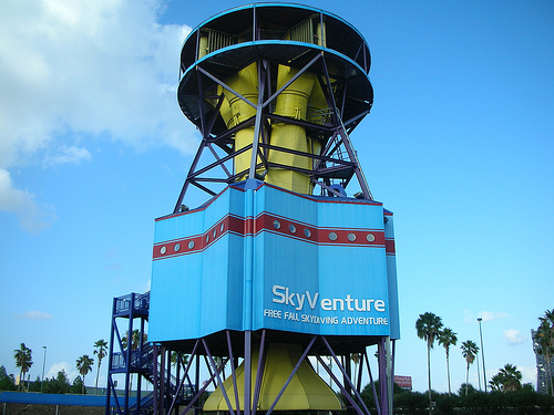 GearDiary SkyVenture Orlando: A Safter Way To Skydive For Those Afraid of Heights, Failing Parachutes and Crash Landings