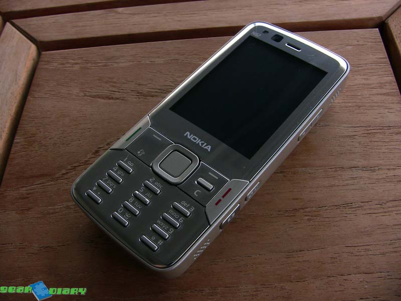 GearDiary Nokia N82 Review