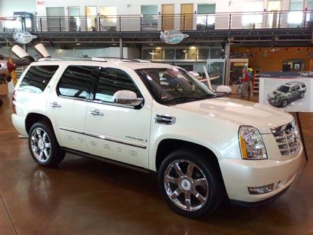GearDiary First Drive: 2009 Cadillac Escalade Hybrid