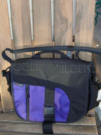 GearDiary The Tom Bihn ID Messenger Bag Review