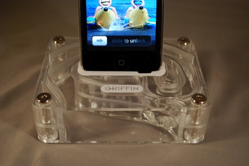 GearDiary Griffin Aircurve boosts your iPhone audio without power