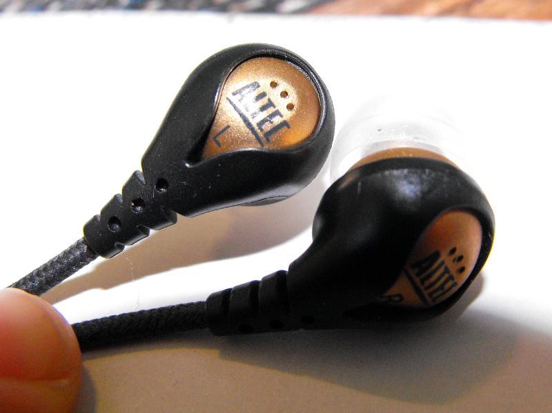 GearDiary Review: Altec Lansing Backbeat 106 Headphones