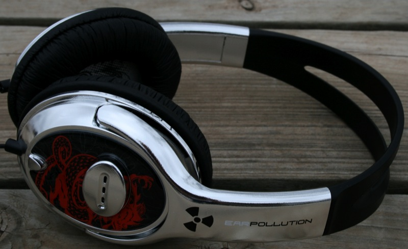 GearDiary The iFrogz EarPollution Custom Fallout Headphones Review
