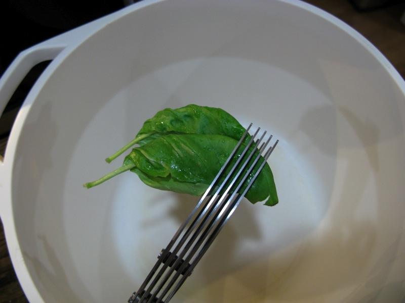 geardiary_useful_things_herb_scissors_09