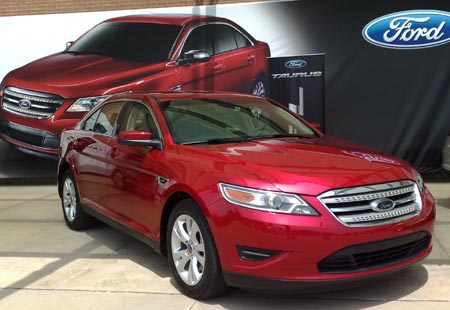 2010 Ford Taurus puts on a great SHO