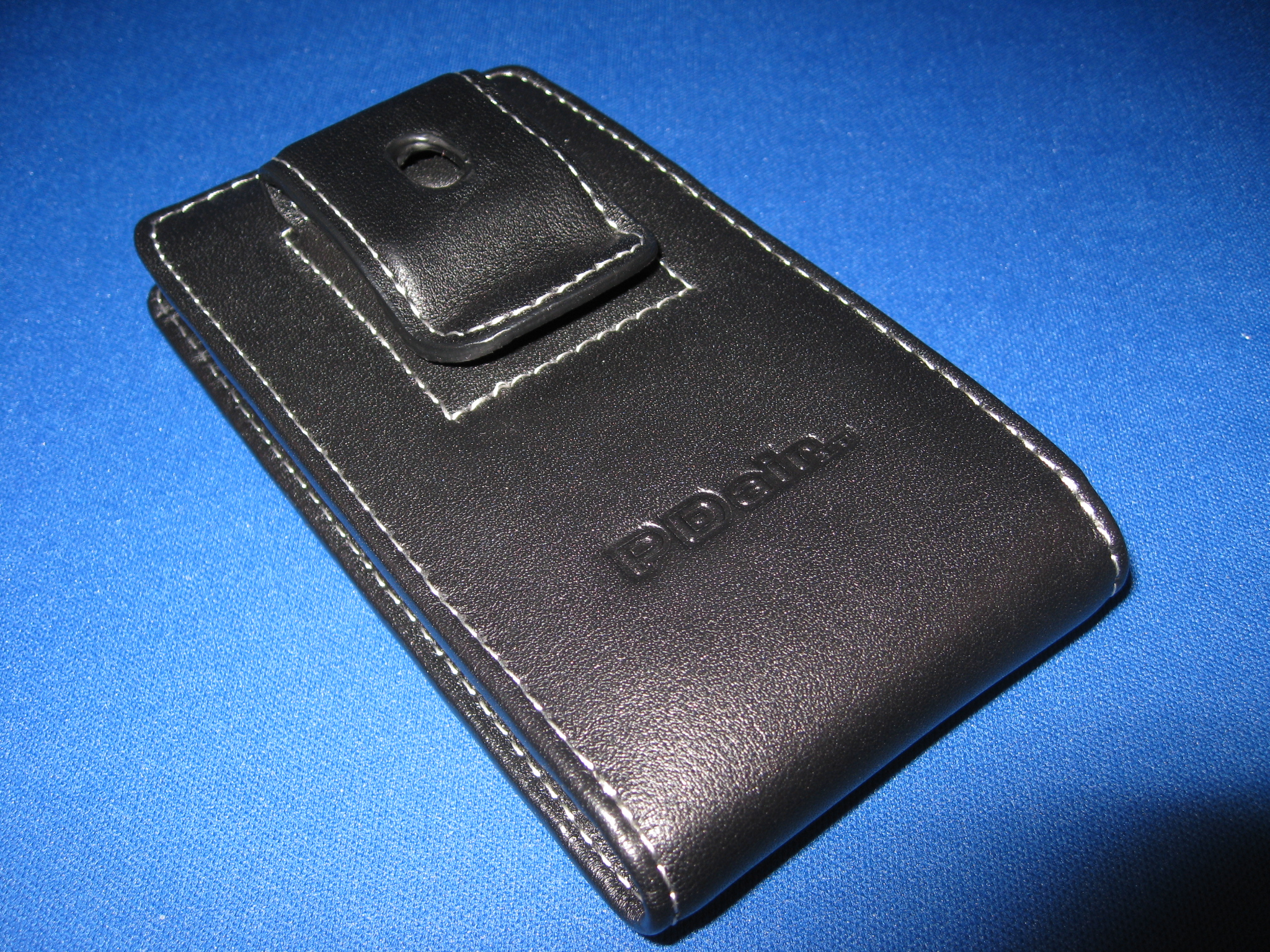 GearDiary Review: PDAir's New Motorola Droid Cases