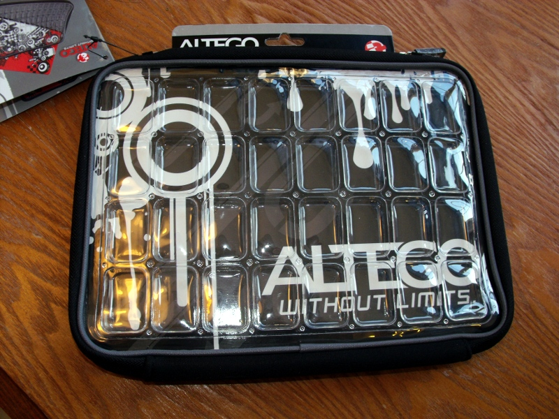 GearDiary Review: Altego Clear Laptop Sleeve