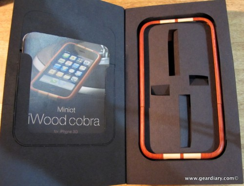geardiary_miniot_iwood_cobra_wooden_iphone_case-1