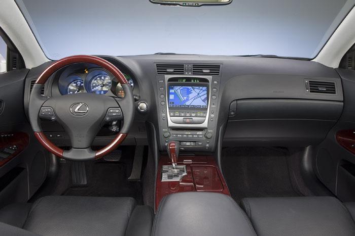 2010 Lexus GS450h Delivers 'Warm Fuzzies'