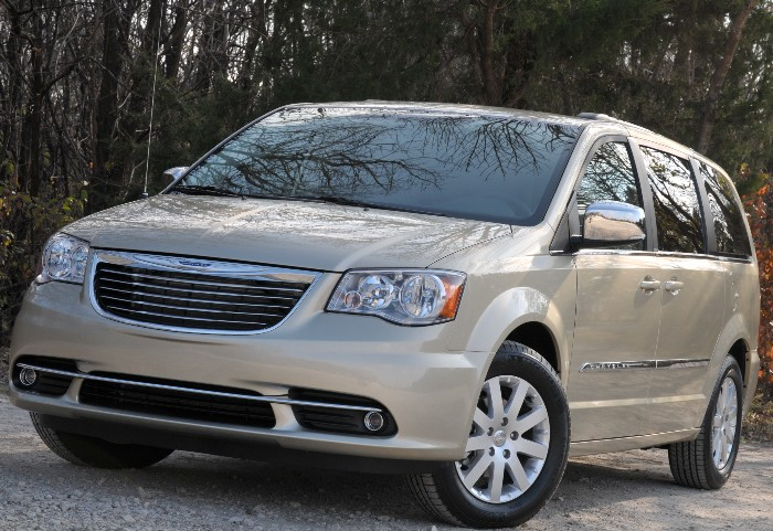 GearDiary 2011 Chrysler Town & Country: Long Live the King