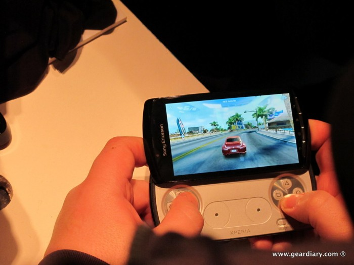 geardiary-chipchick-sony-ericsson-mobile-word-congree-pro-neo-play-106