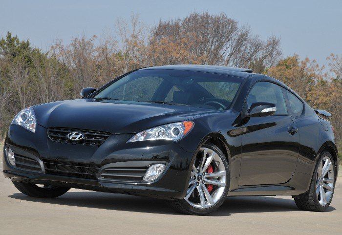 GearDiary Hyundai Genesis Coupe 3.8 Track Fights for Respect
