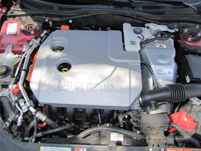 2011 Lincoln MKZ Hybrid Made For Summer Travel