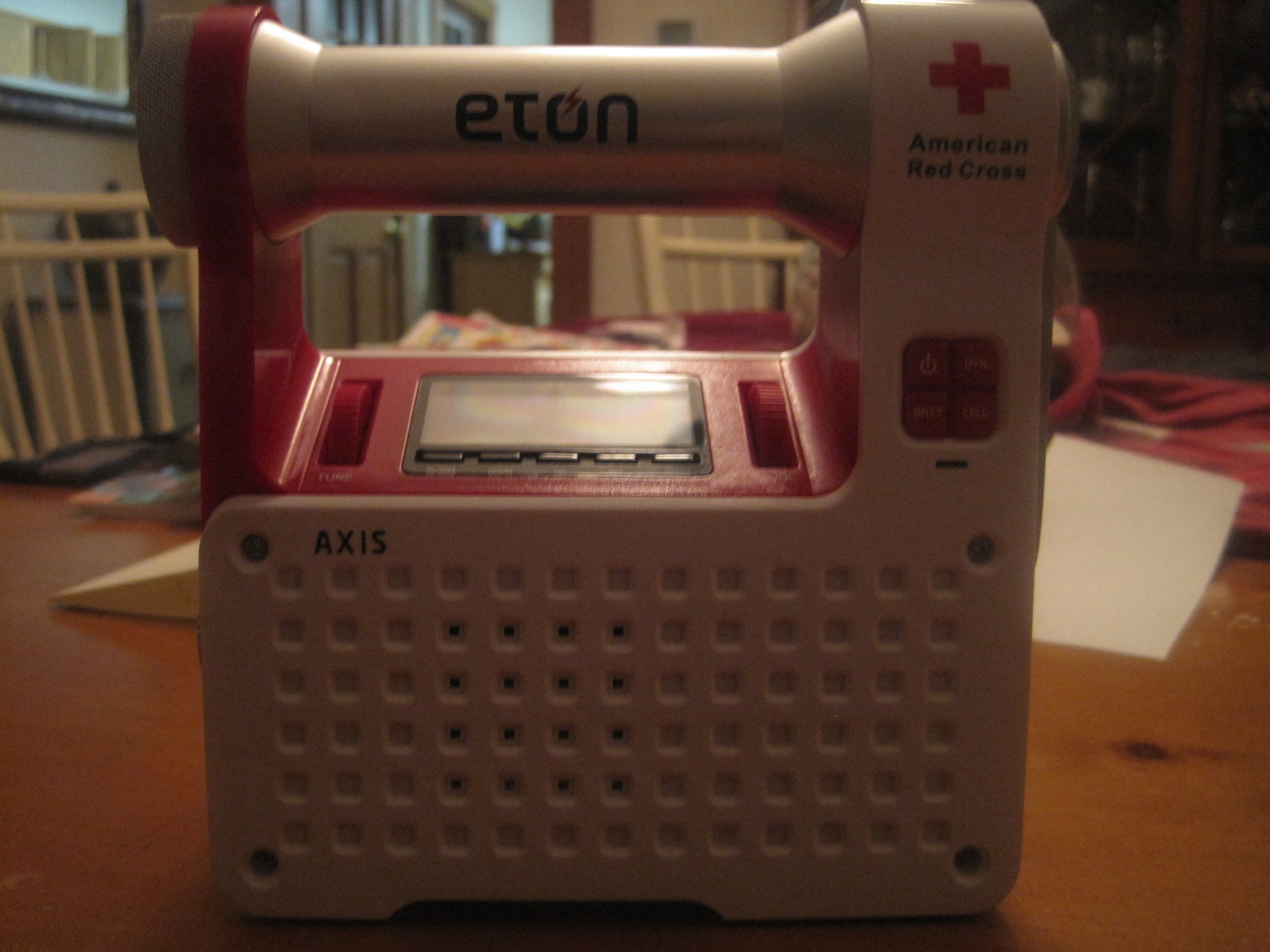 GearDiary Eton Axis Self-Powered Radio Review