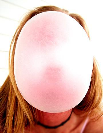how to clean chewing gum stains from your clothes
