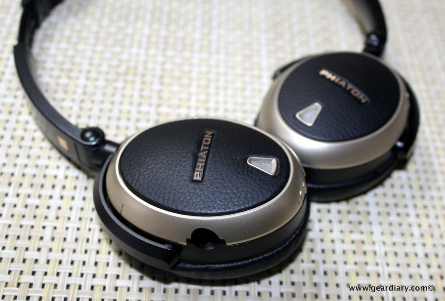Travel Gear Headphones Harman Kardon
