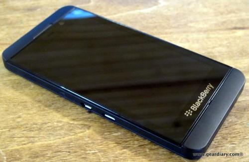 09-geardiary-blackberry-z10-smartphone-008