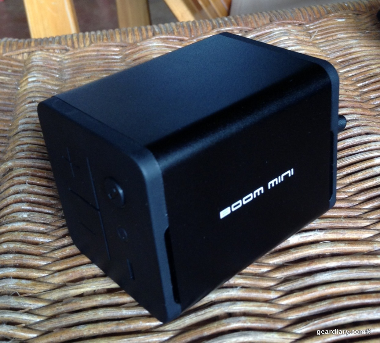 GearDiary MiPow Boom mini Bluetooth Speaker Review