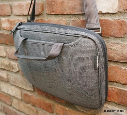 GearDiary booq Viper Courier Laptop Bag Review- Slim, Stylish MacBook Protection