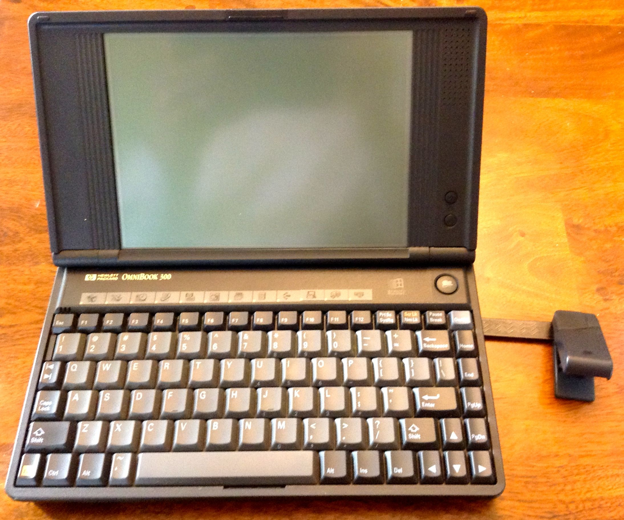 GearDiary HP Omnibook 300 at 20: A Retro Tech Look-Back