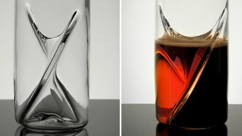 GearDiary Dual Beer Glass Makes Black & Tans Foolproof