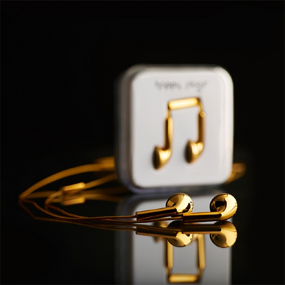 GearDiary Happy Plugs 18K Solid Gold In-Ear Earphones, Because You Can?