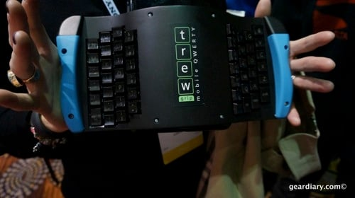 GearDiary Get a Grip With the TREWgrip Mobile QWERTY Keyboard for Tablets