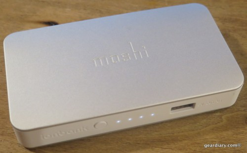 Moshi IonBank 5K with Lightning Connector-002