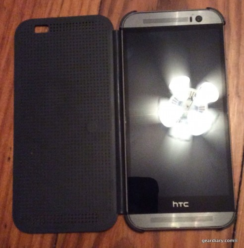 GearDiary HTC Dot Case for the One M8 Review: Dot Matrix Design and Function