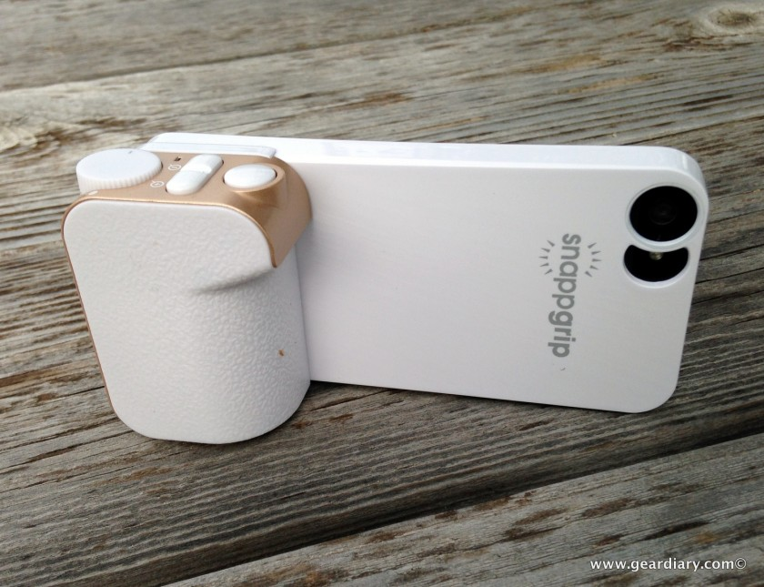 GearDiary Snappgrip for iPhone 5 Review: A Better Grip on iPhone Pictures