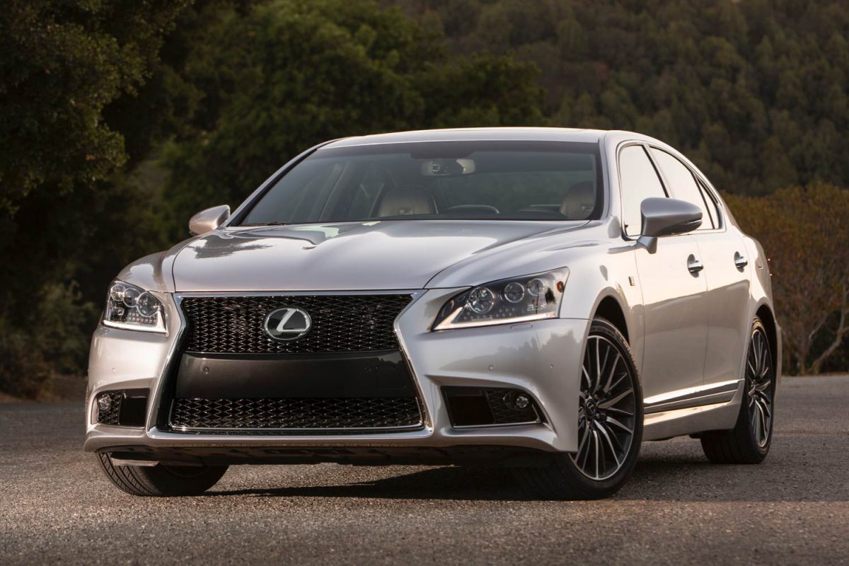 2014 lexus ls 460 shows germans it can be a good sport. Black Bedroom Furniture Sets. Home Design Ideas