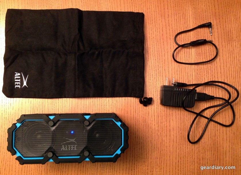 Everything included with the Life Jacket: A carrying case, 3.5mm aux cable, USB to microUSB cable, and AC adapter.