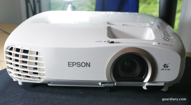 "GearDiary ""Theater To Go"", Thanks to the Epson PowerLite Home Cinema 2030 - Part One"