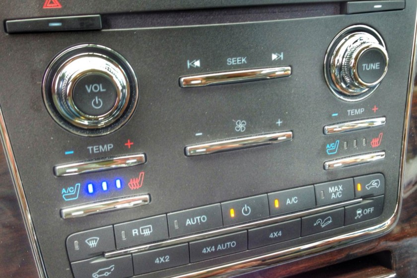 GearDiary 2015 Lincoln Navigator Gets Upgrades...and Knobs