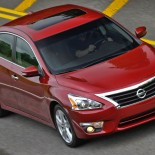 2014 Nissan Altima/Images courtesy Nissan