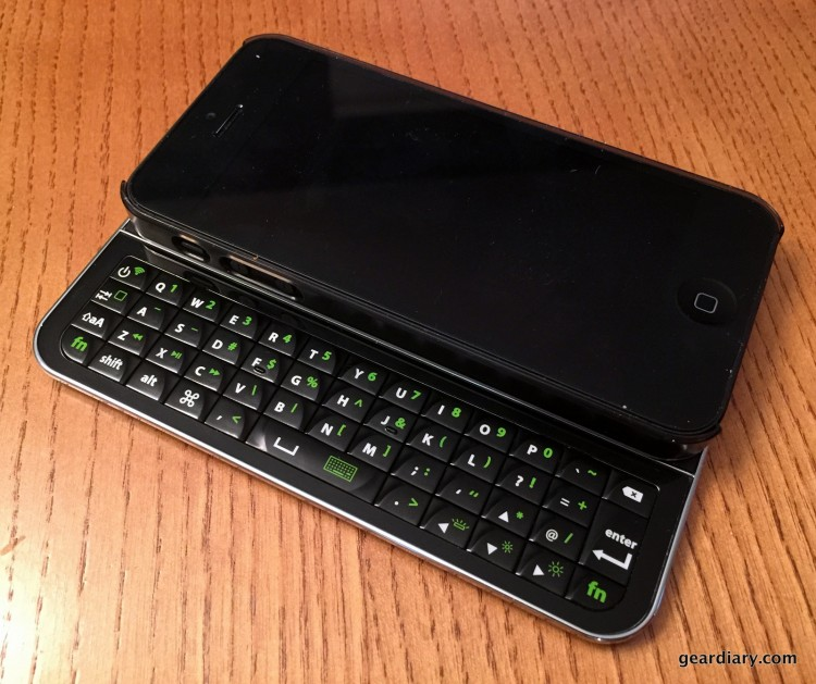 GearDiary Magneti Bluetooth Keyboard for iPhone 5/5s is the Perfect Keyboard