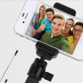 Satechi Smart Selfie Extension Arm Is a Selfie Machine