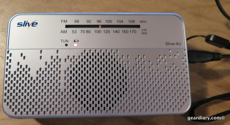 Gear Diary Reviews the SLIVE-4U Self-Powered AM:FM:WB Radio with Flashlight & Phone Charger-003