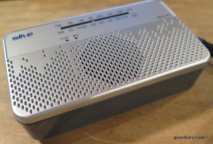 Gear Diary Reviews the SLIVE-4U Self-Powered AM:FM:WB Radio with Flashlight & Phone Charger-005