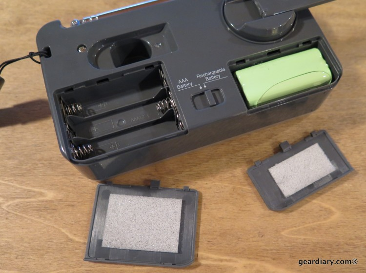 Gear Diary Reviews the SLIVE-4U Self-Powered AM:FM:WB Radio with Flashlight & Phone Charger-012