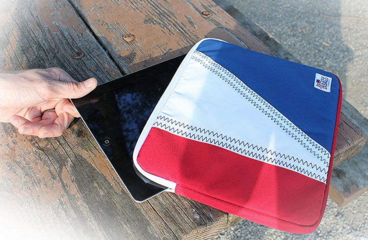 SailorBags Makes Laptop Bags and iPad Cases for Those with Sailing on The Brain