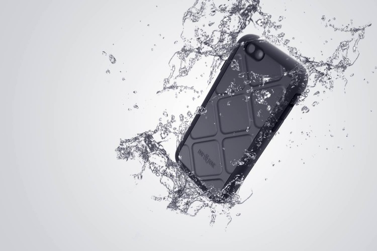 Wetsuit for iPhone 6/Images courtesy Dog & Bone