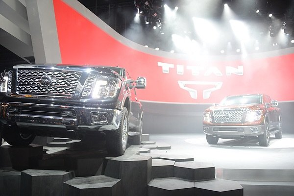 GearDiary Nissan Unveils New Titan Pickup in Detroit, Now With a Diesel