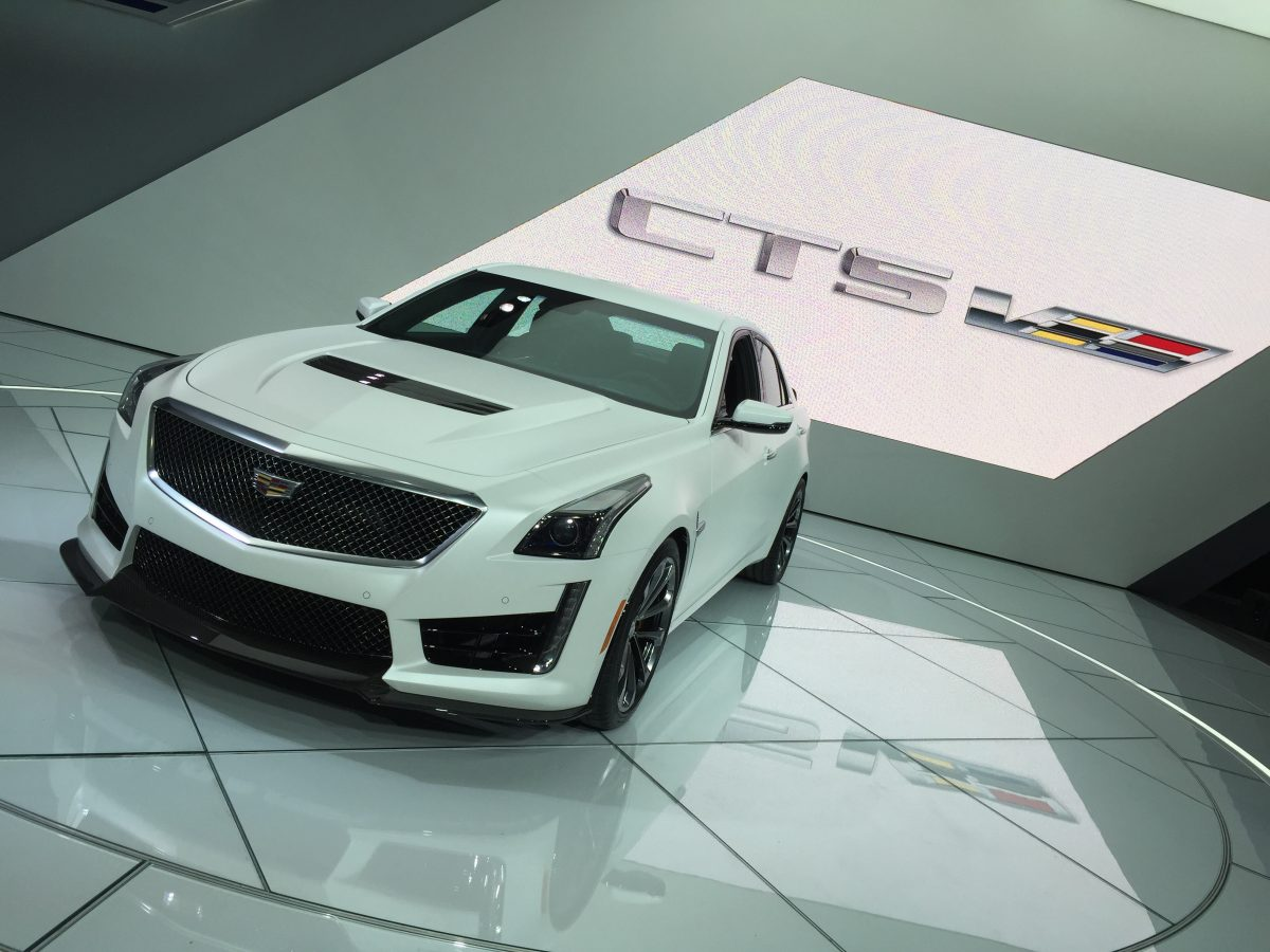 GearDiary Cadillac Debuts 200MPH 2016 CTS-V