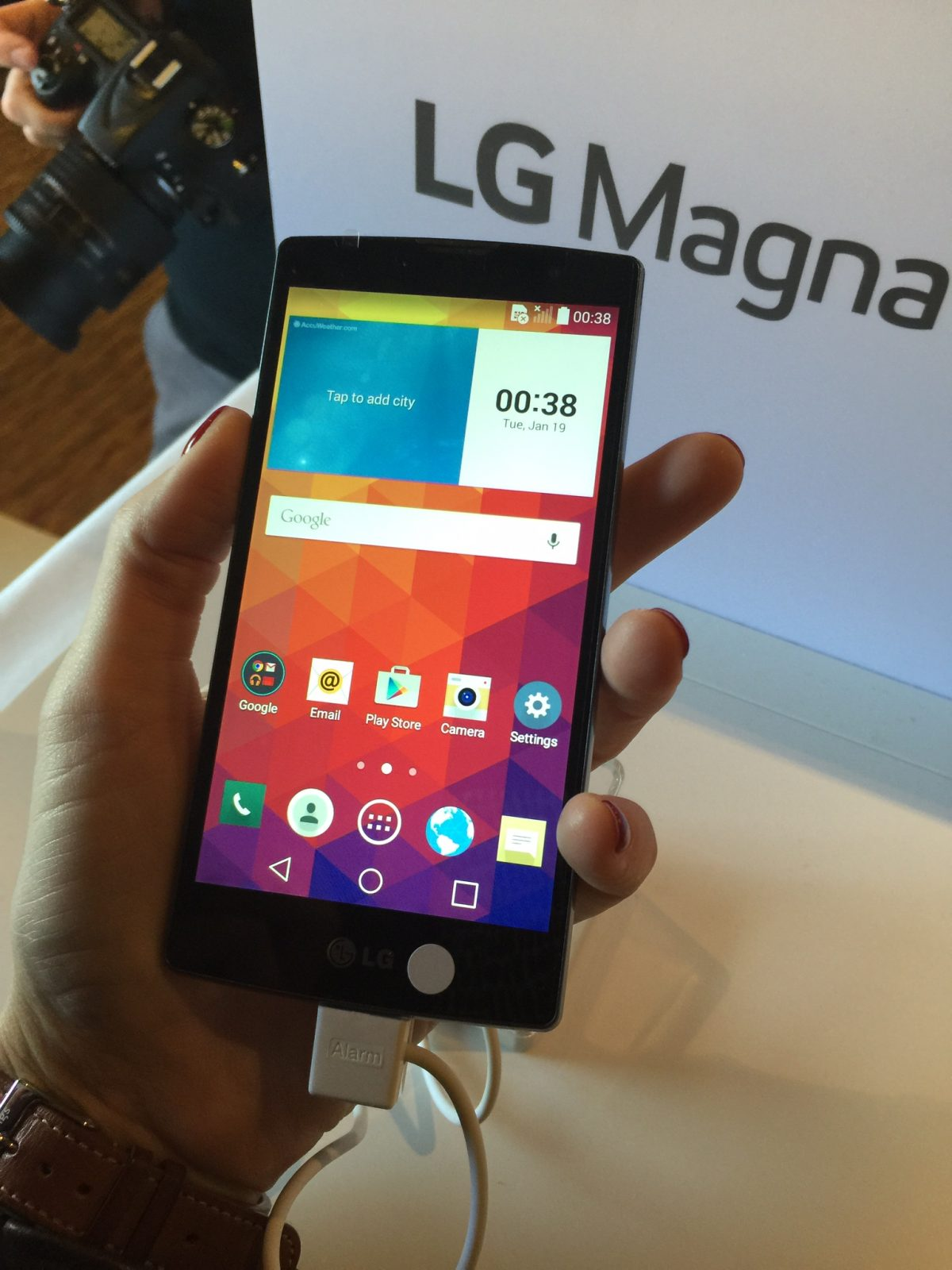 GearDiary LG Introduces Midrange Phones at MWC with Premium Designs and Features!