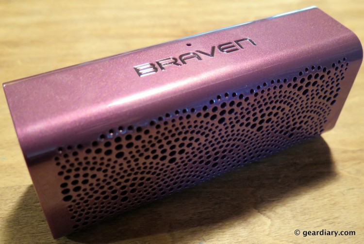 05-Braven LUX HD Wireless Speaker Power Bank Speakerphone-004