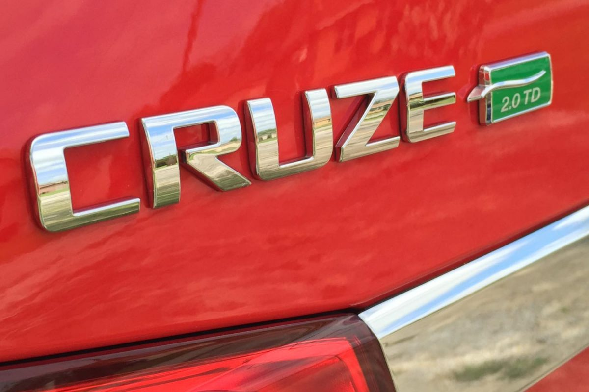 GearDiary 2015 Chevrolet Cruze Diesel Ready to Right a Wrong