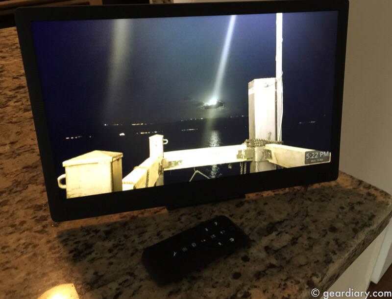 GearDiary Nixplay Edge 13 Inch Digital Cloud Frame Is Picture Perfect