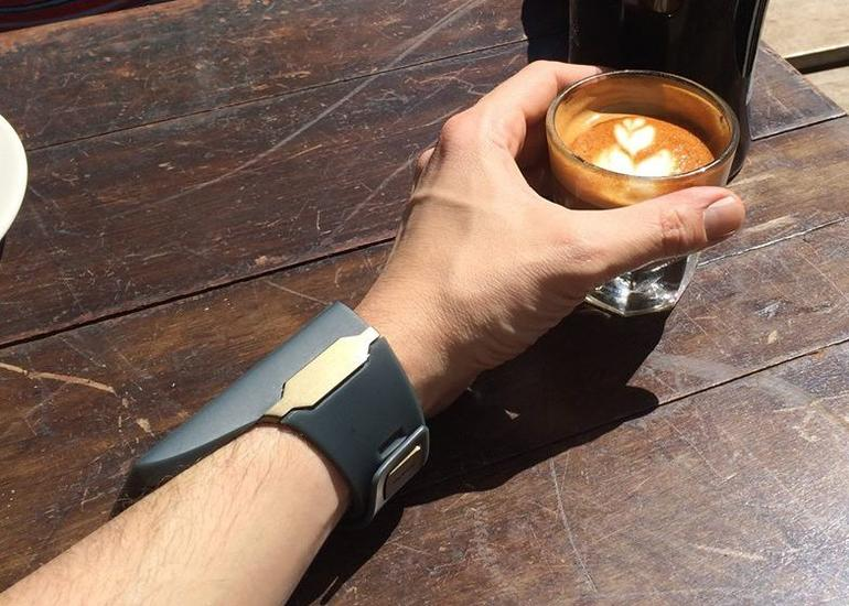 GearDiary The Rufus Cuff Is a SmartWatch That Requires More of Your Wrist